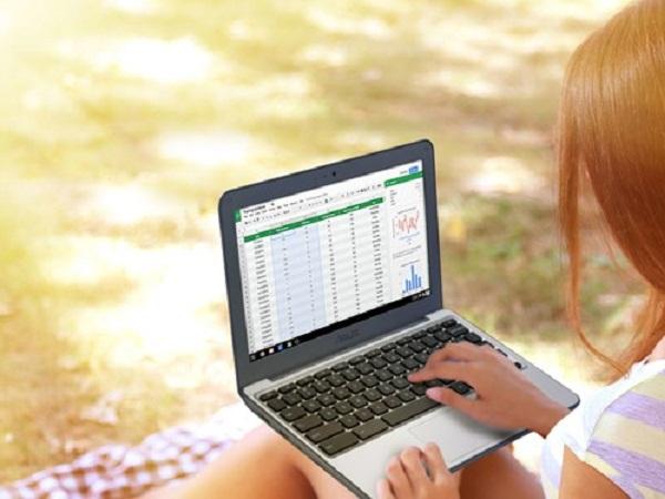 Chromebook hiện đang thống trị thị trường máy tính trường học vì rẻ và tính di động cao