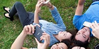 Tính theo chiều dài lịch sử của ngành viễn thông di động, 25 năm, thì, một ngày các nhà mạng tạo ra 449,3 số thuê bao trả sau
