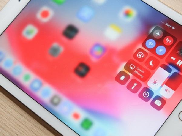 Với thao tác mới được đồng nhất, người dùng iPhone X và iPad, Apple ePad sẽ không còn gặp tình cảnh lúng túng như trước đây nữa.