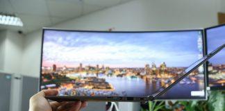 Độ mở màn hình tối đa của gram vào khoảng 140 độ, tương đối thoải mái để có được góc nhìn phù hợp trong nhiều tình huống sử dụng.