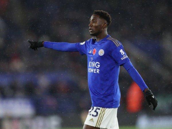 Bóng đá Anh tối 28/4: Sao Leicester từ chối MU và Arsenal