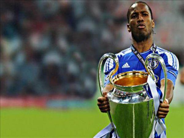Huyền thoại chelsea Drogba cùng Chelsea vô địch Champions League